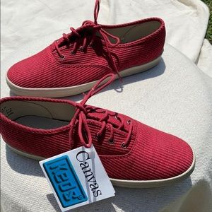 New in box-Keds-Size 7M-Vale  Red